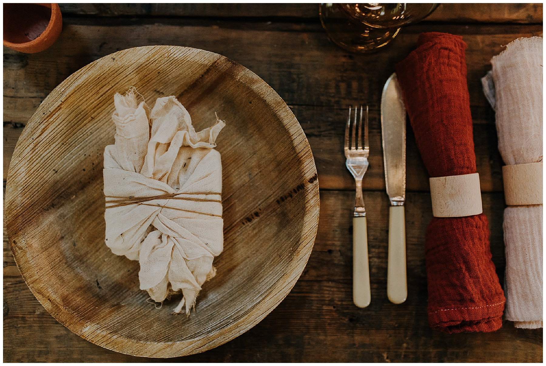 a wooden plate for weddings